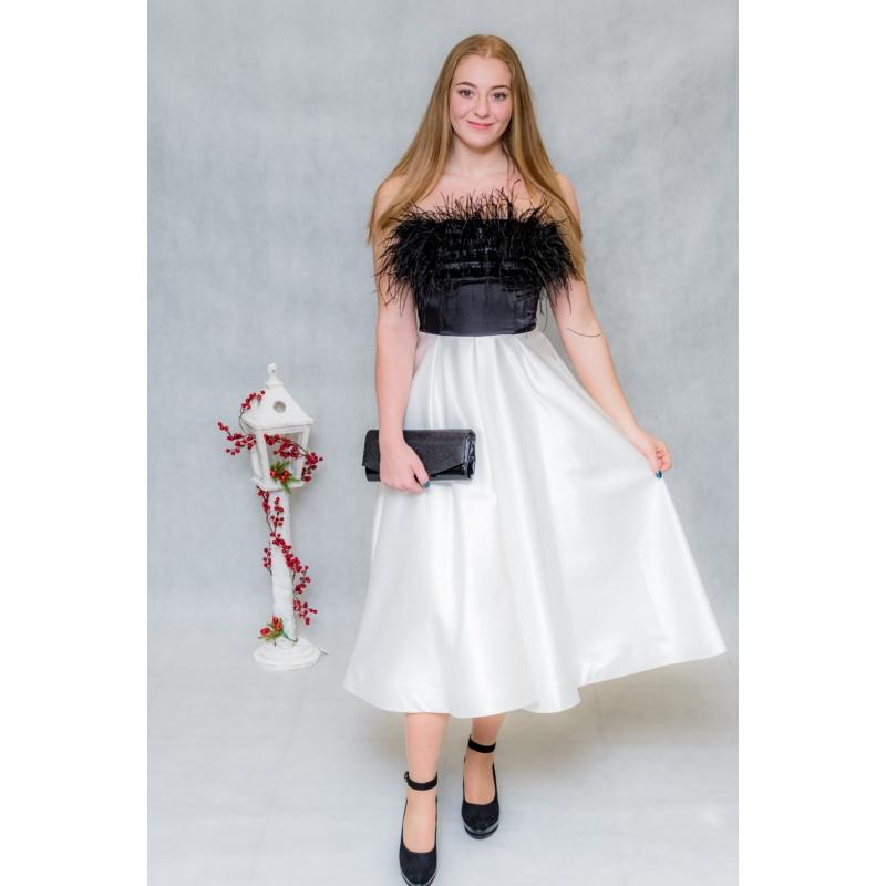 Zoé tollas ruha