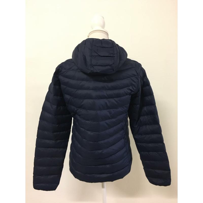 Tavaszi sötétkék kabát