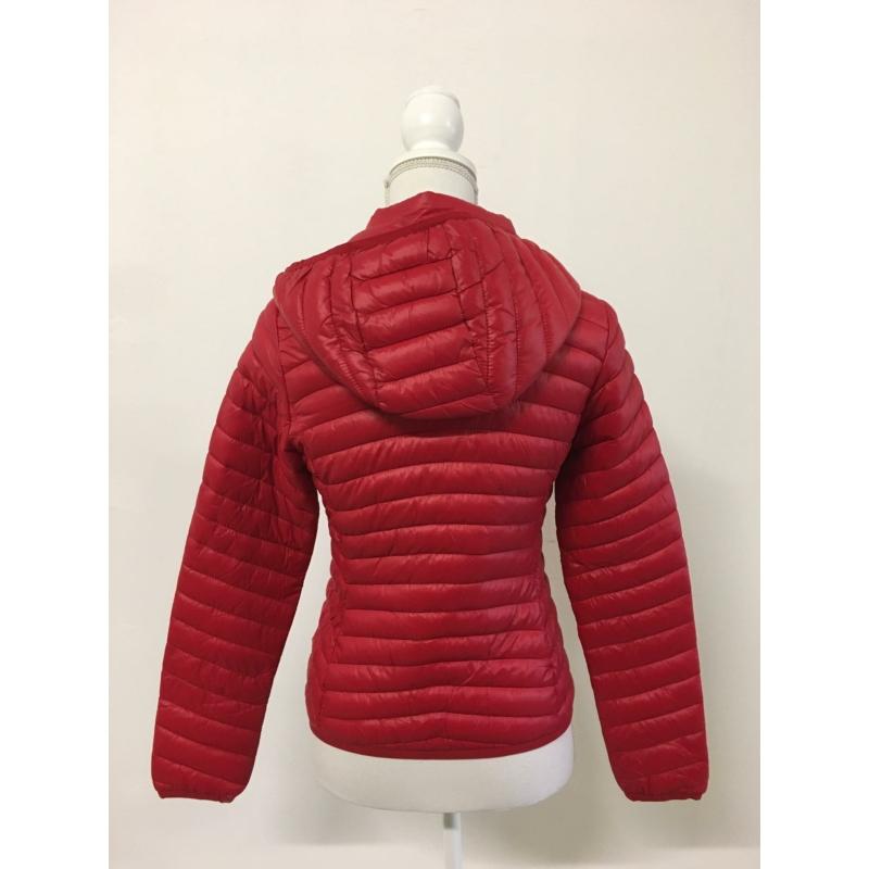 Tavaszi piros kabát